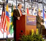 Dieter Brandt, presidente da Afeigraf, discursa na Graph Expo 2012